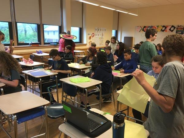 12 spanish news pelham public schools 7th mightylinksfo Gallery