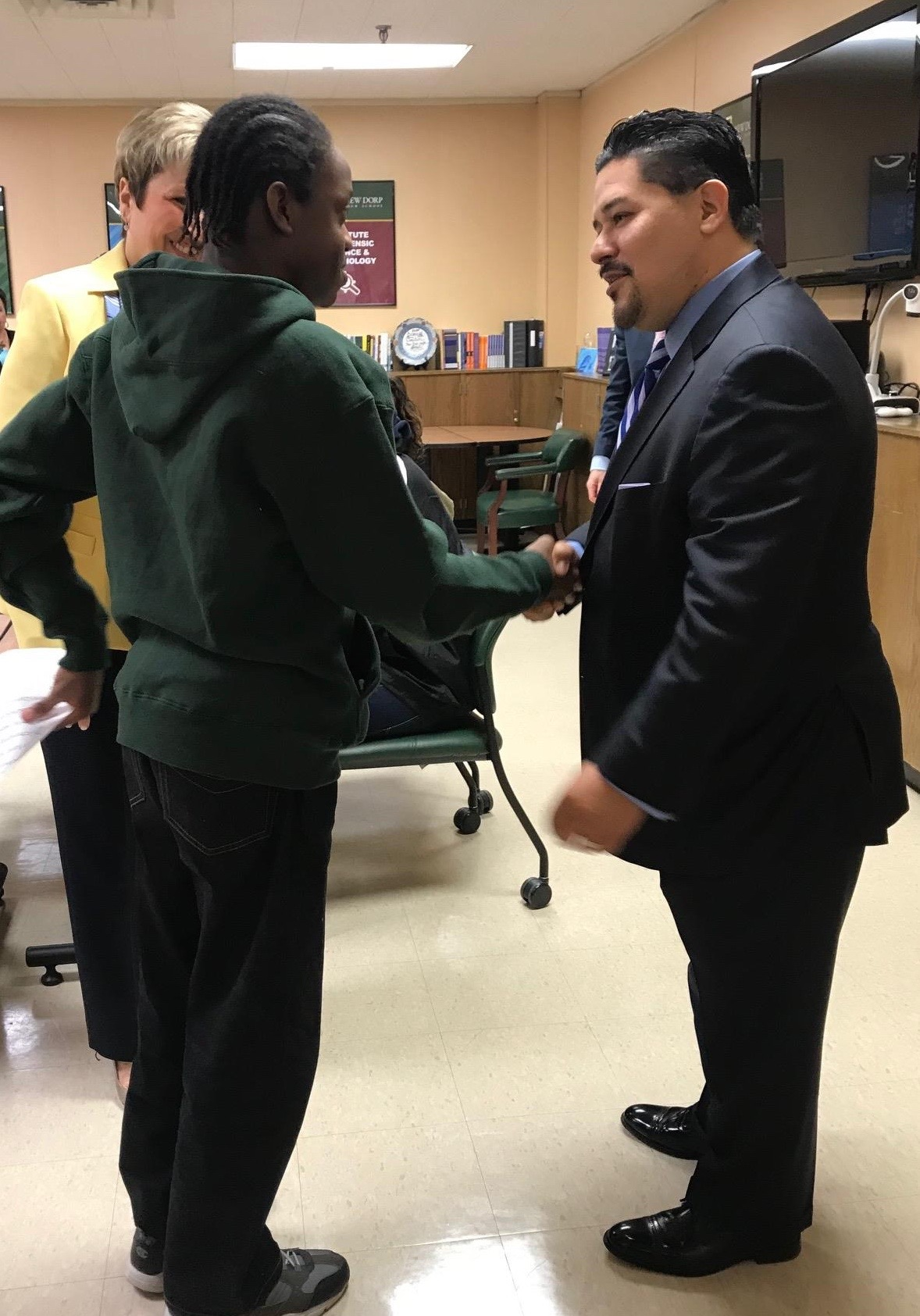 Chancellor Richard A Carranza and Hungerford student Ronin