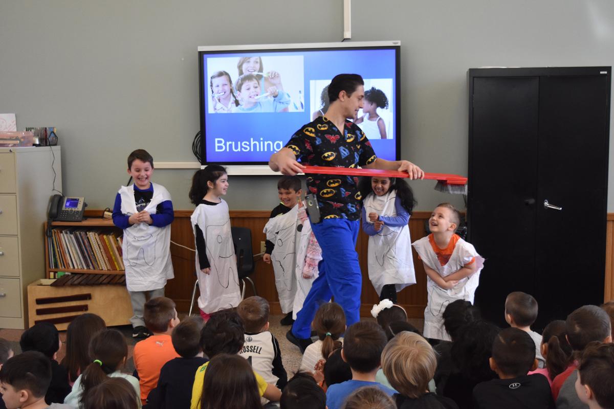 Dr. Joe visits Hawthorne Elementary
